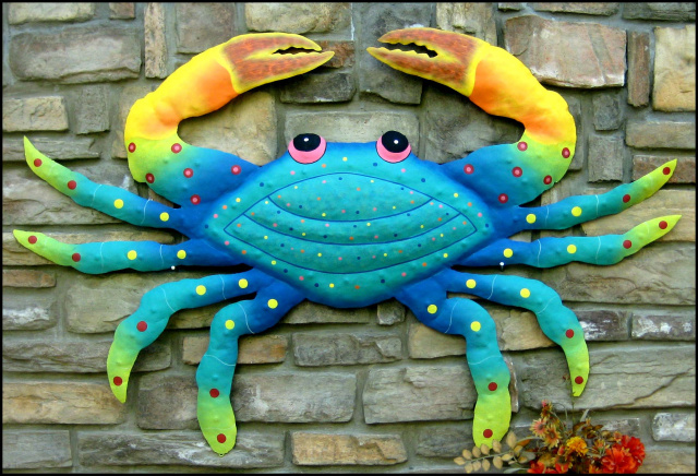 Painted metal crab wall decor, Handcrafted from recycled steel drum in Haiti.